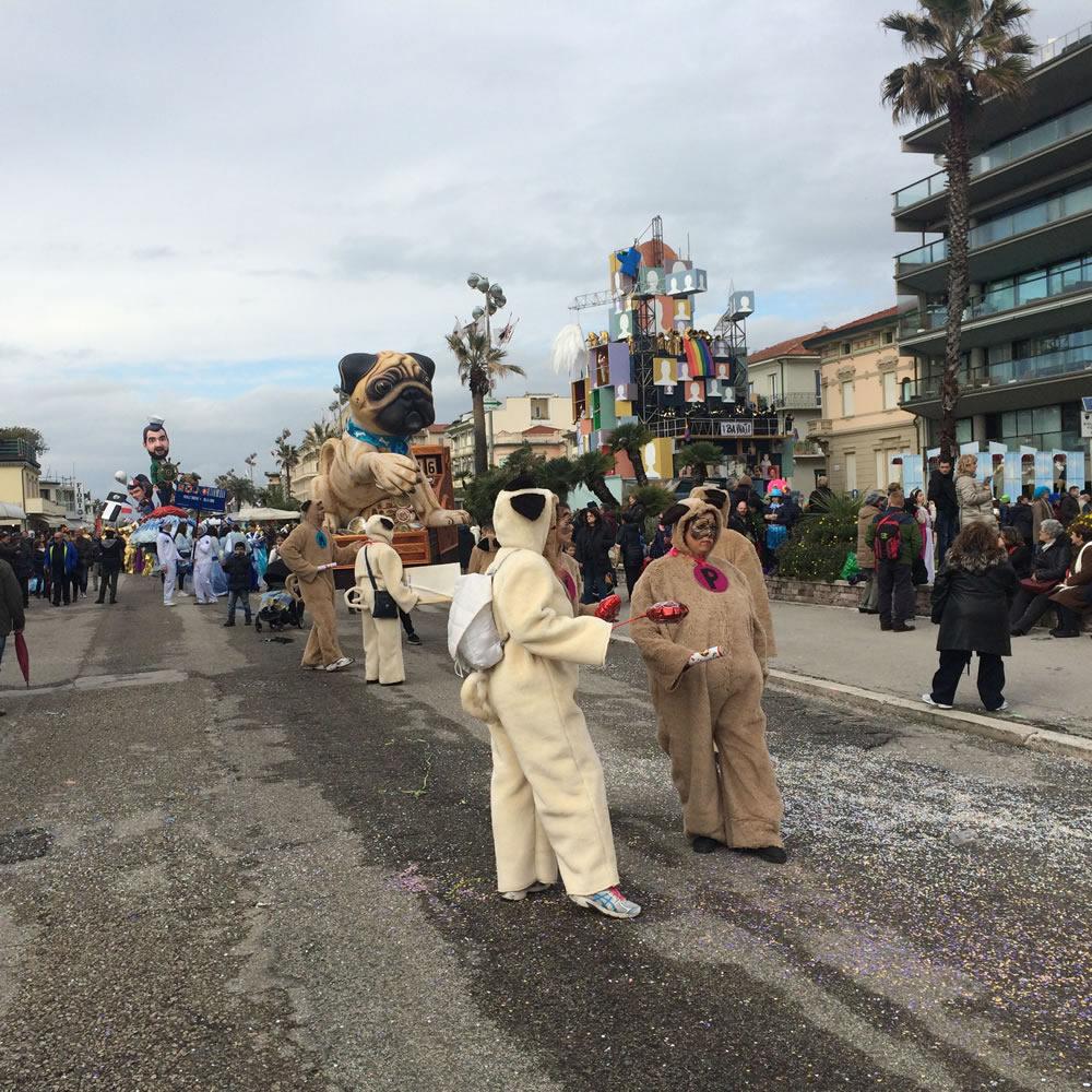 Il-resto-dal-Carlino-di-Rudy-Mazzone-Carnevale-di-Viareggio-2016-17