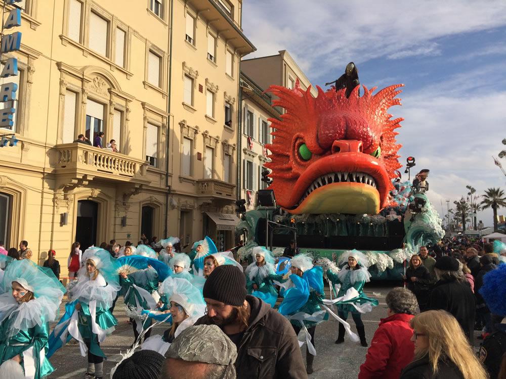 Il-resto-dal-Carlino-di-Rudy-Mazzone-Carnevale-di-Viareggio-2016-57